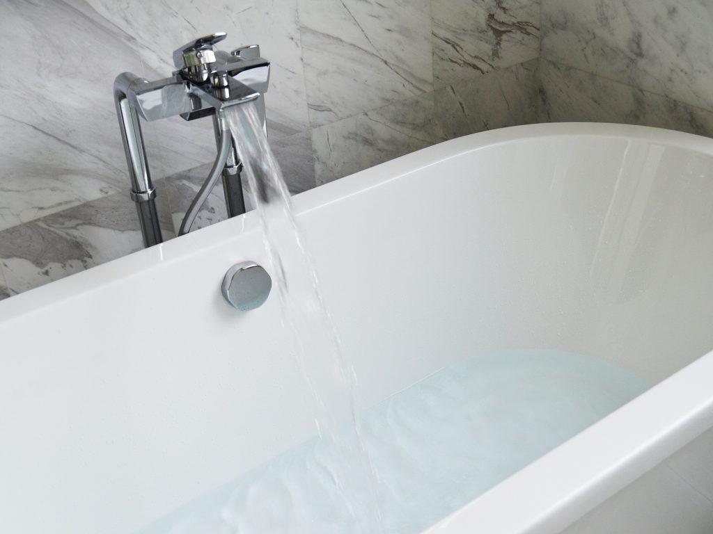 bathtub-890227_1920 Pixabay 200217